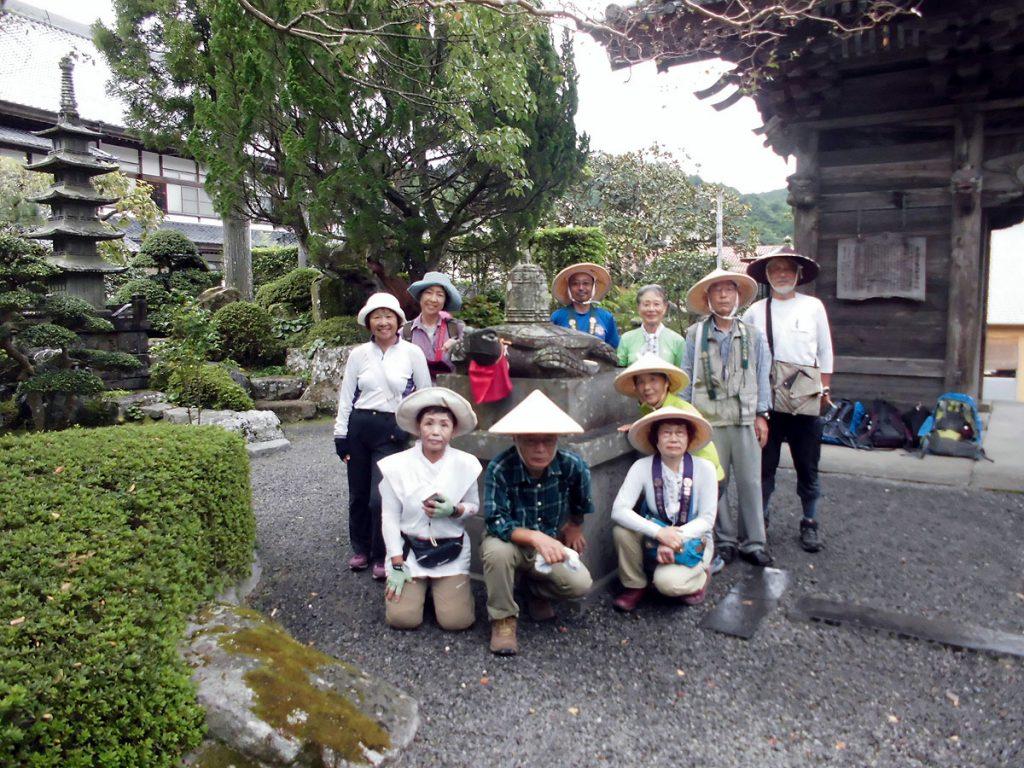 39番 延光寺 梵鐘を背負った石造りの亀