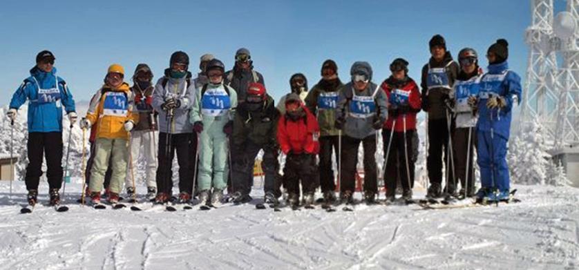 横手山頂で記念写真