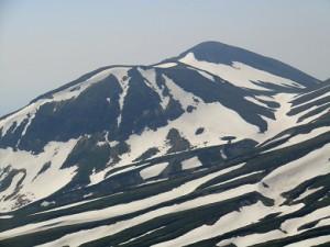 白雲岳頂上から見た旭岳