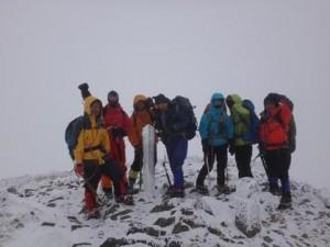 笠が岳山頂(吹雪で何も見えない、直ぐ退散)