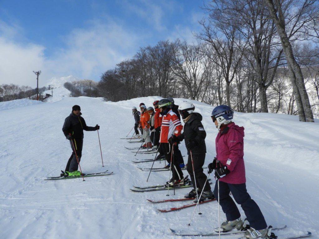 関温泉スキー場での講習会トップ