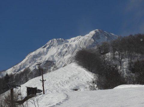 関温泉スキー場から妙高山を望む(その2)