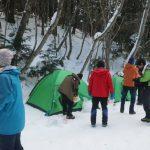 4合目付近。テント設営開始。水=雪はたっぷり。