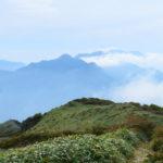 笹ヶ峰山頂から見た伊予富士・瓶ヶ森・石鎚山